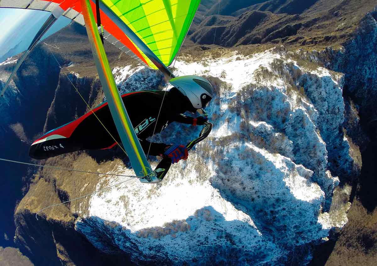 volo in deltaplano sul lago di garda